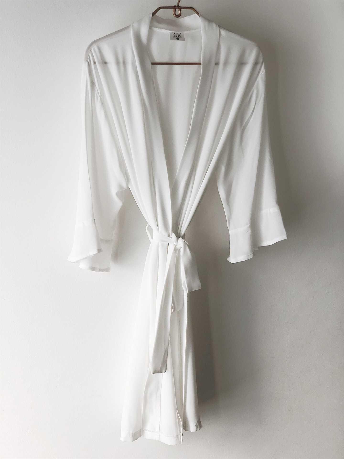 Gown - White (MEDIUM 34-36)